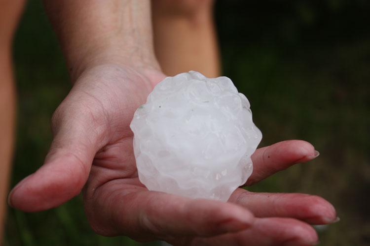 giant-hail-large
